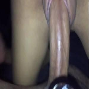 Novinha da boceta apertada montando gostoso