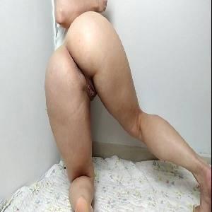 Novinha gostosona na câmera pornô pros marmanjos